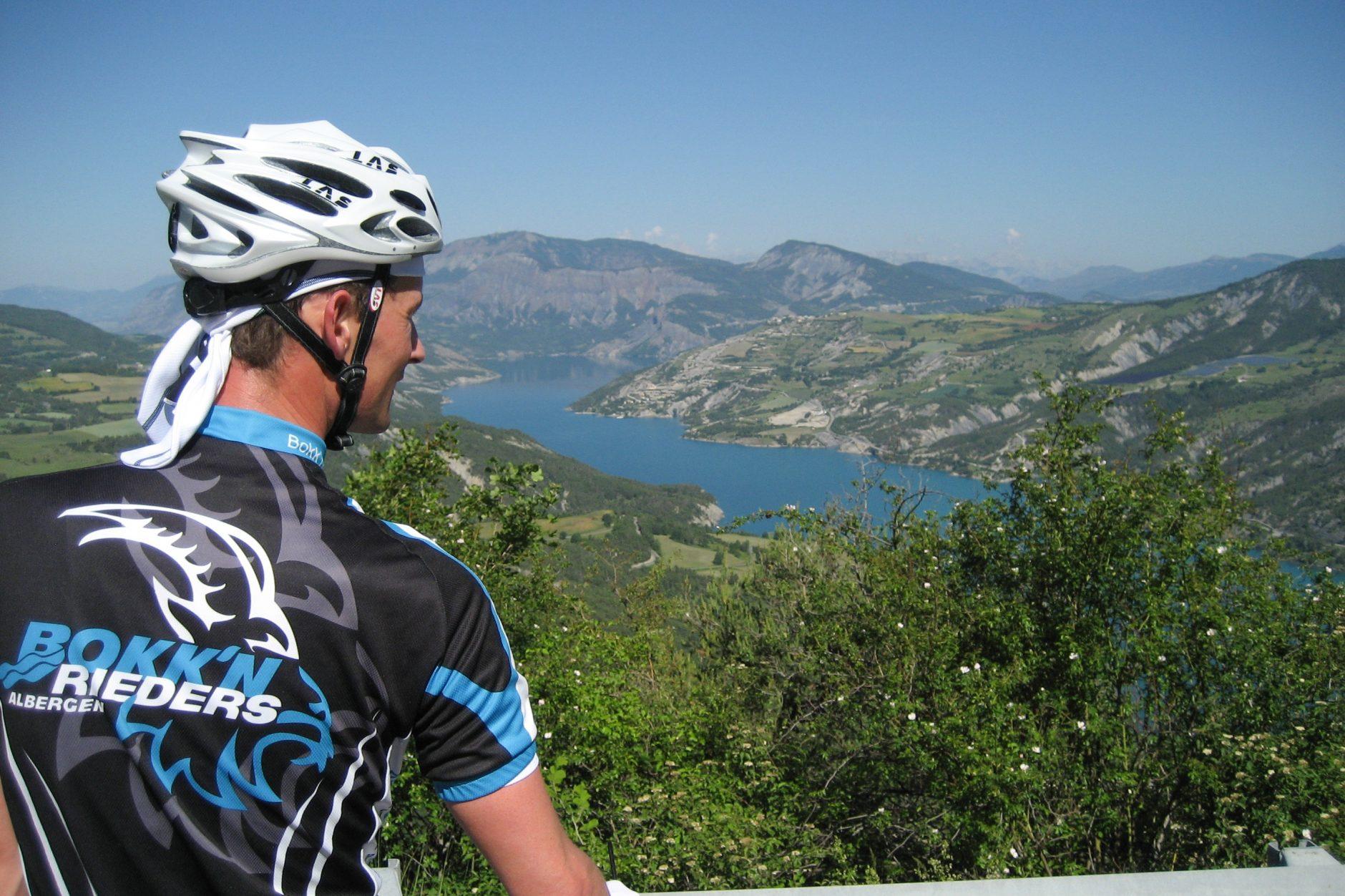 De Bokk'nrieders: fietsfanaten uit Albergen